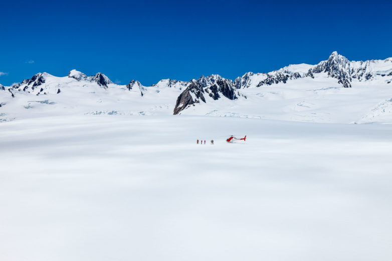 Glacier snow landings