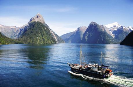 Milford Wanderer Overnight Cruises