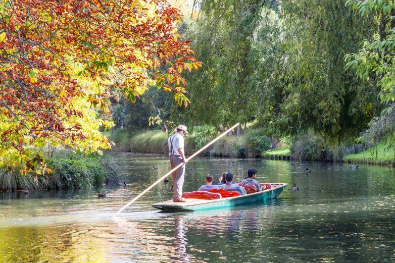 autumn_avon_river_punt_people_trees_ducks